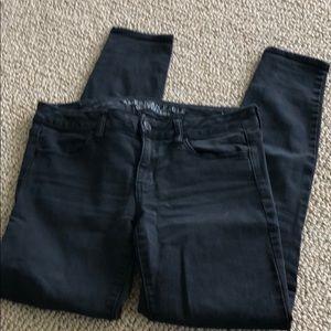 American Eagle black skinny jean size 8